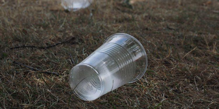 De kracht van plastic en waarom het van de natuur wint